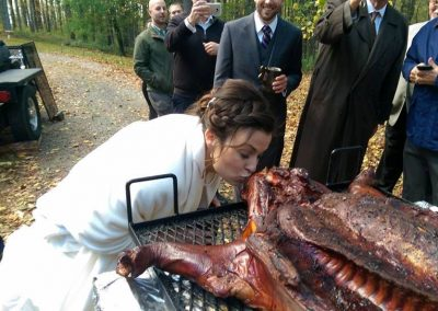 bride kissing the pig